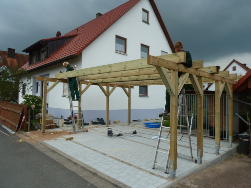 pin hellgraues metall carport f r zwei autos neben hellgrauem carport on pinterest. Black Bedroom Furniture Sets. Home Design Ideas